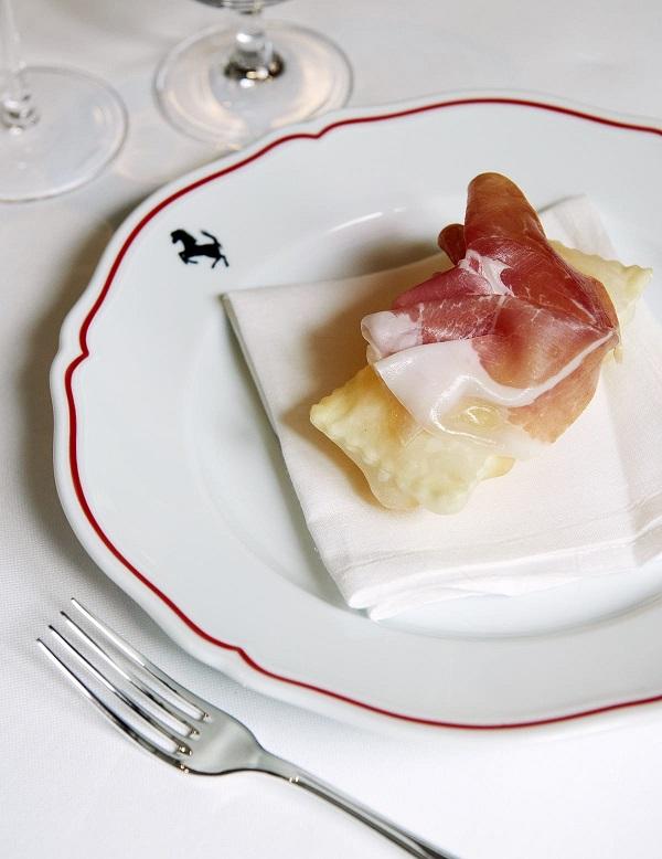 ilferraristablog-ristorante-cavallino-bottura-gnocco-fritto-salumi